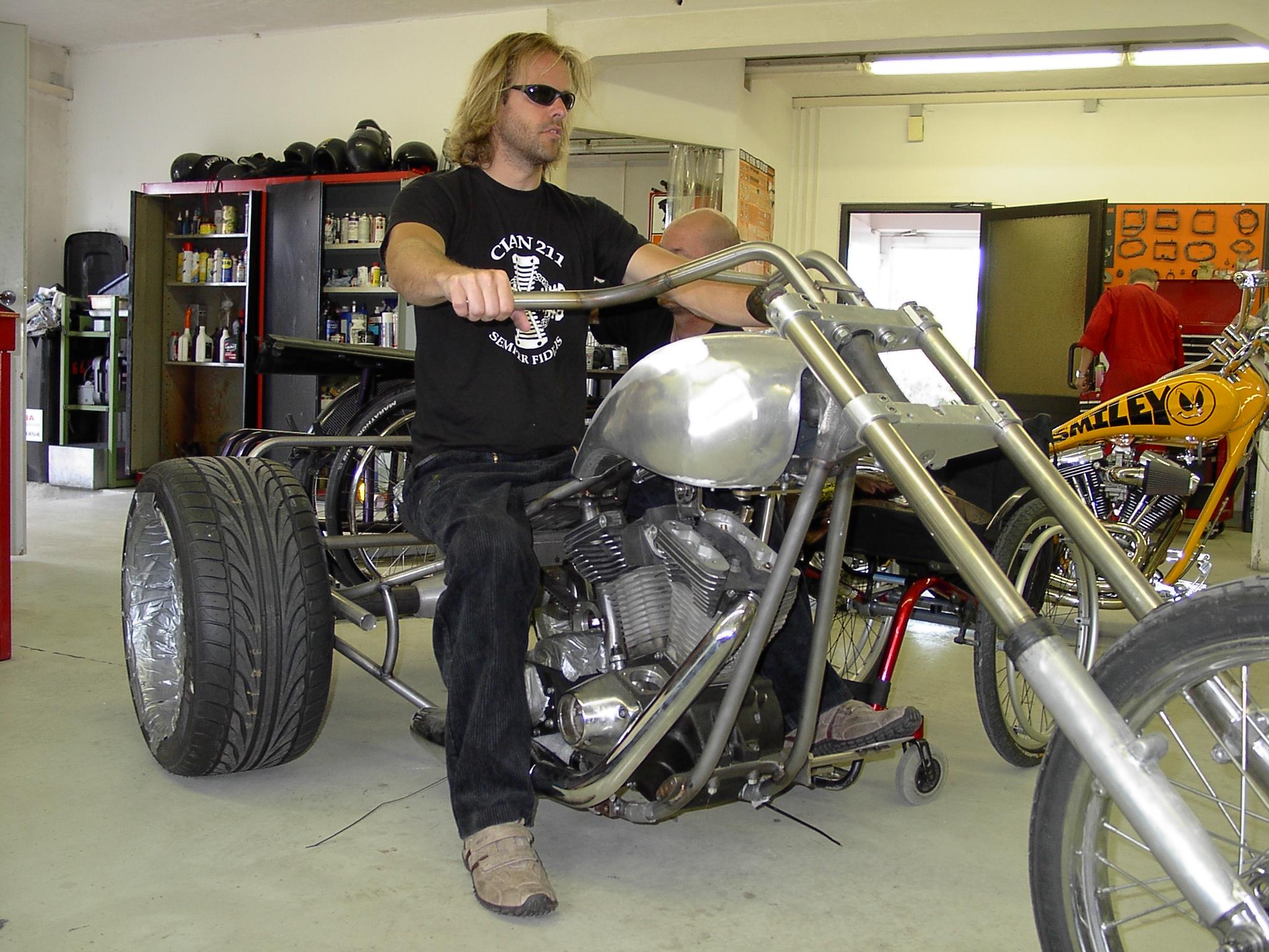 harry 39 s trike v2 motorcycles blog harley davidson. Black Bedroom Furniture Sets. Home Design Ideas