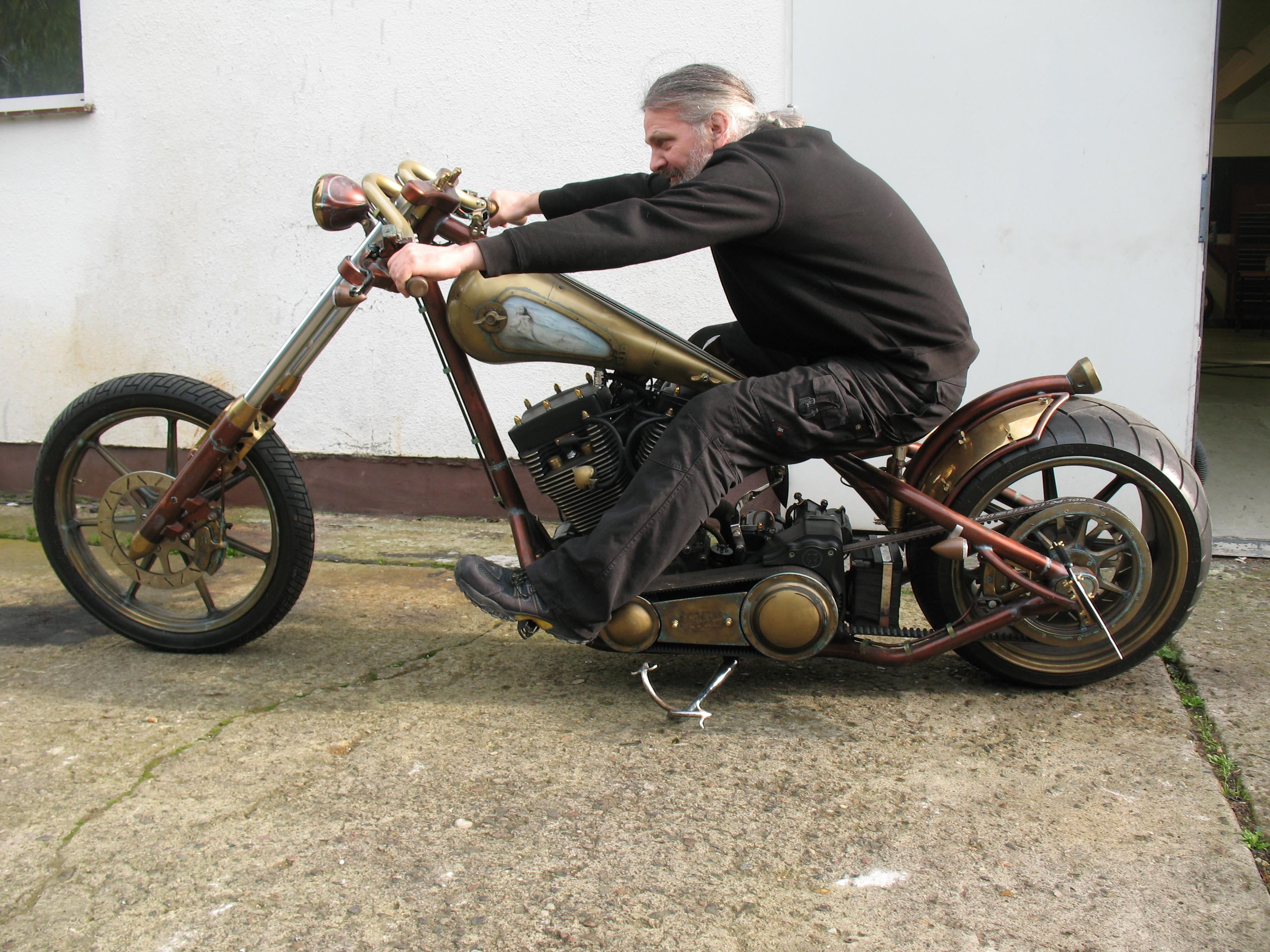 nautilus v2 motorcycles blog harley davidson werkstatt. Black Bedroom Furniture Sets. Home Design Ideas