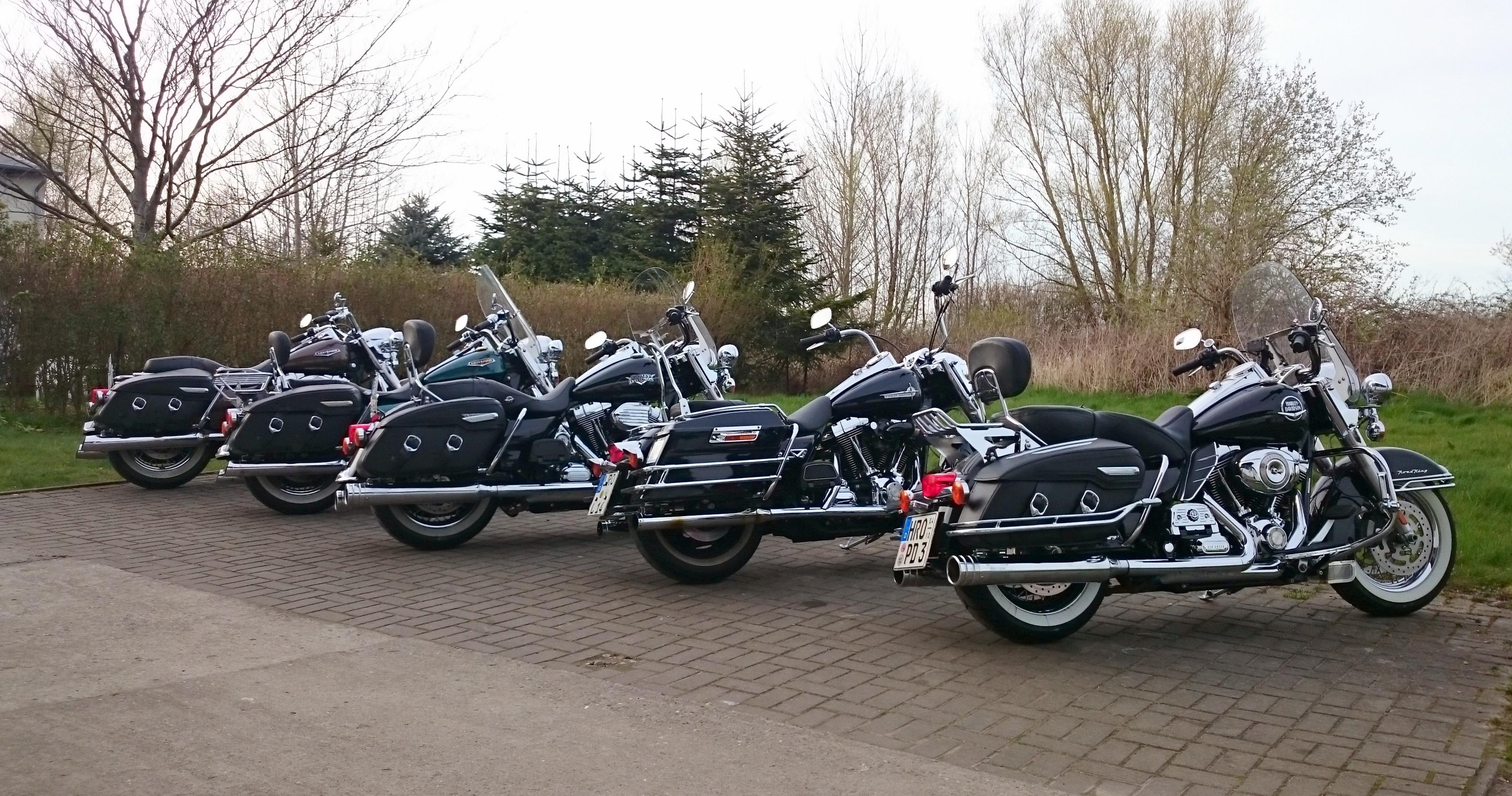 road king parade v2 motorcycles blog harley davidson. Black Bedroom Furniture Sets. Home Design Ideas