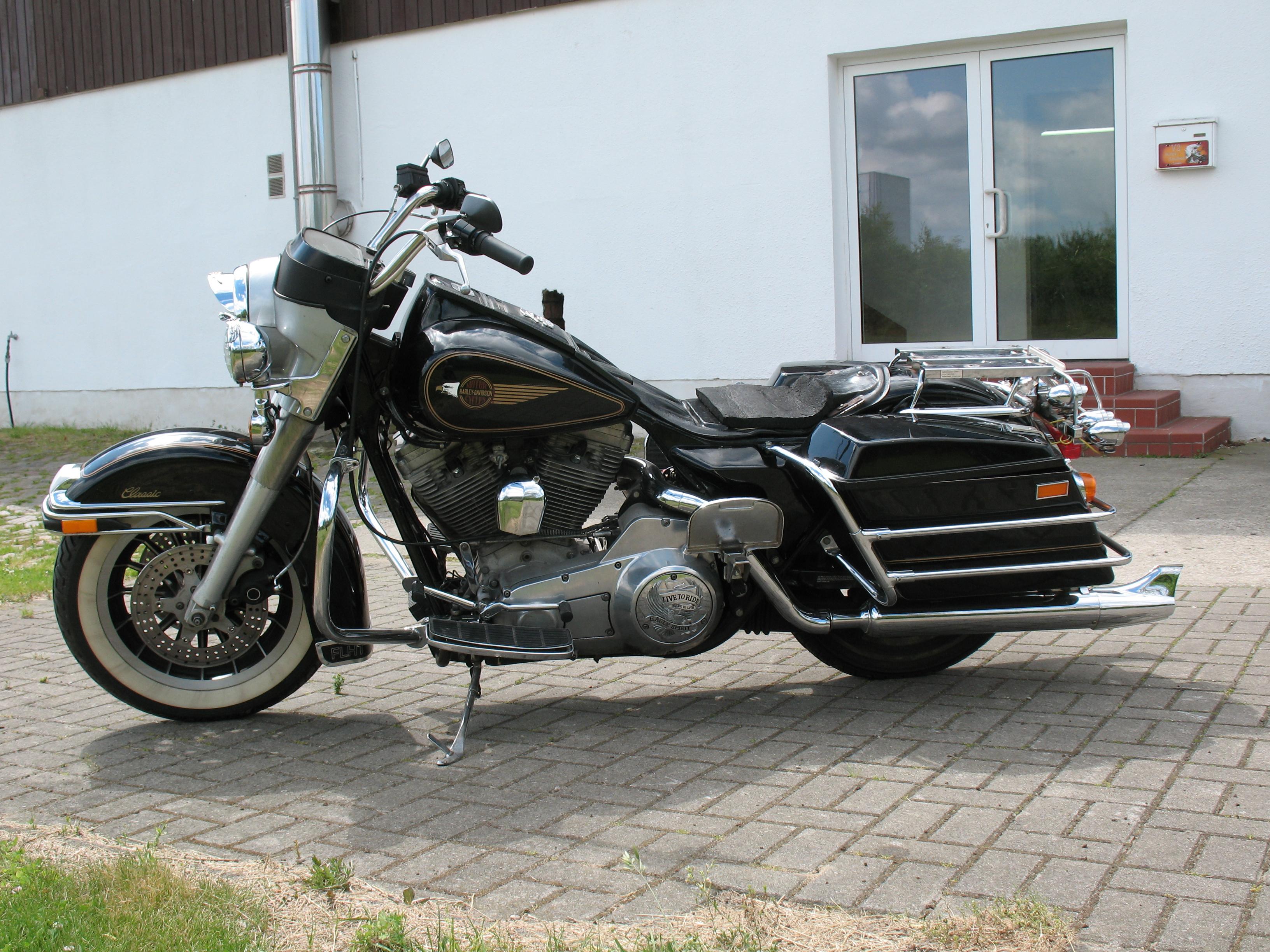low budget custom v2 motorcycles blog harley davidson. Black Bedroom Furniture Sets. Home Design Ideas